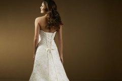 Ekrü színű csipkézett menyasszonyi ruha Mystic Moment Esküvői Ruhaszalon Gyömrő