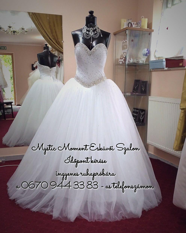 2d48edda8f Kövekkel kirakott tüllös menyasszonyi ruha Mystic Moment Esküvői Ruhaszalon  Gyömrő