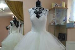 Fodros menyasszonyi ruha ekrü színben Mystic Moment Esküvői Ruhaszalon Gyömrő