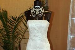 Eladó fehér tüllös sellő fazonú menyasszonyi ruha Mystic Moment Esküvői Ruhaszalon Gyömrő