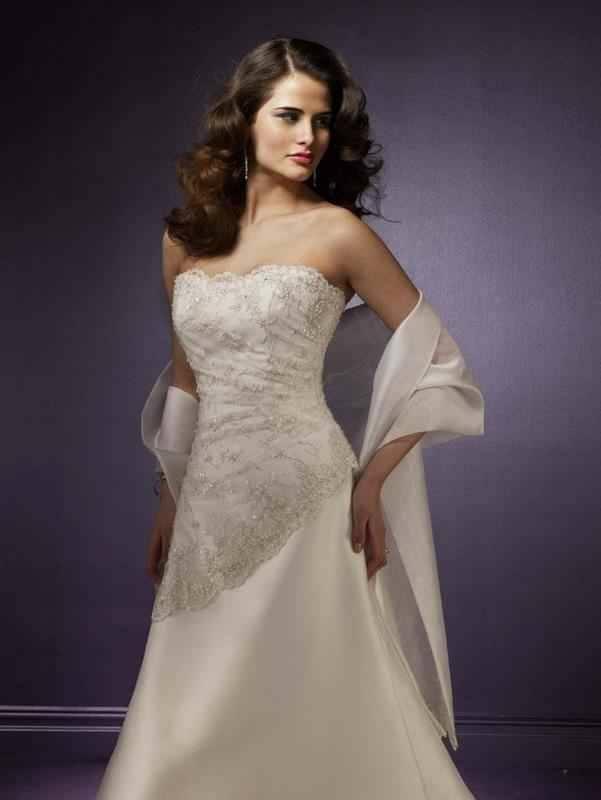 5a00602578 Vintage menyasszonyi ruha Mystic Moment Esküvői Ruhaszalon Gyömrő
