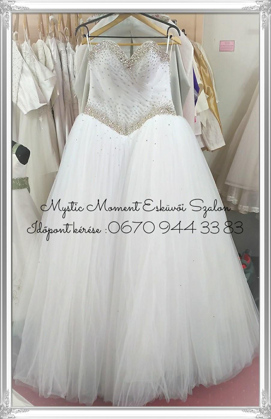 1e8ef68378 Köves menyasszonyi ruha Mystic Moment Esküvői Ruhaszalon Gyömrő ...