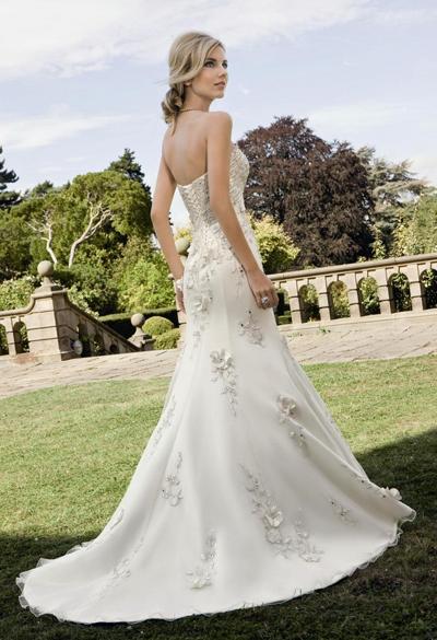 5197db95ef Ronald Joyce luna menyasszonyi ruha 02 Mystic Moment Esküvői Ruhaszalon  Gyömrő