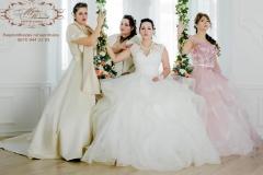 Báli fazonú menyasszonyi ruhák a Gyömrői Mystic Moment Esküvői Ruhaszalonban