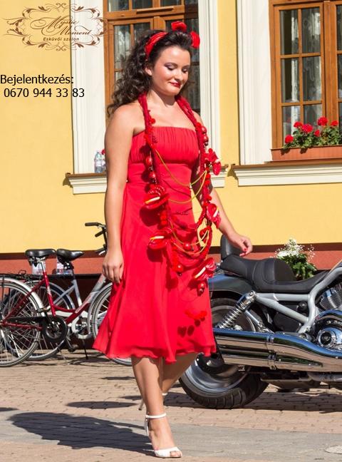 e2948c443a egyszerű fazonú menyecske ruha Mystic Moment Esküvői Ruhaszalon Gyömrő