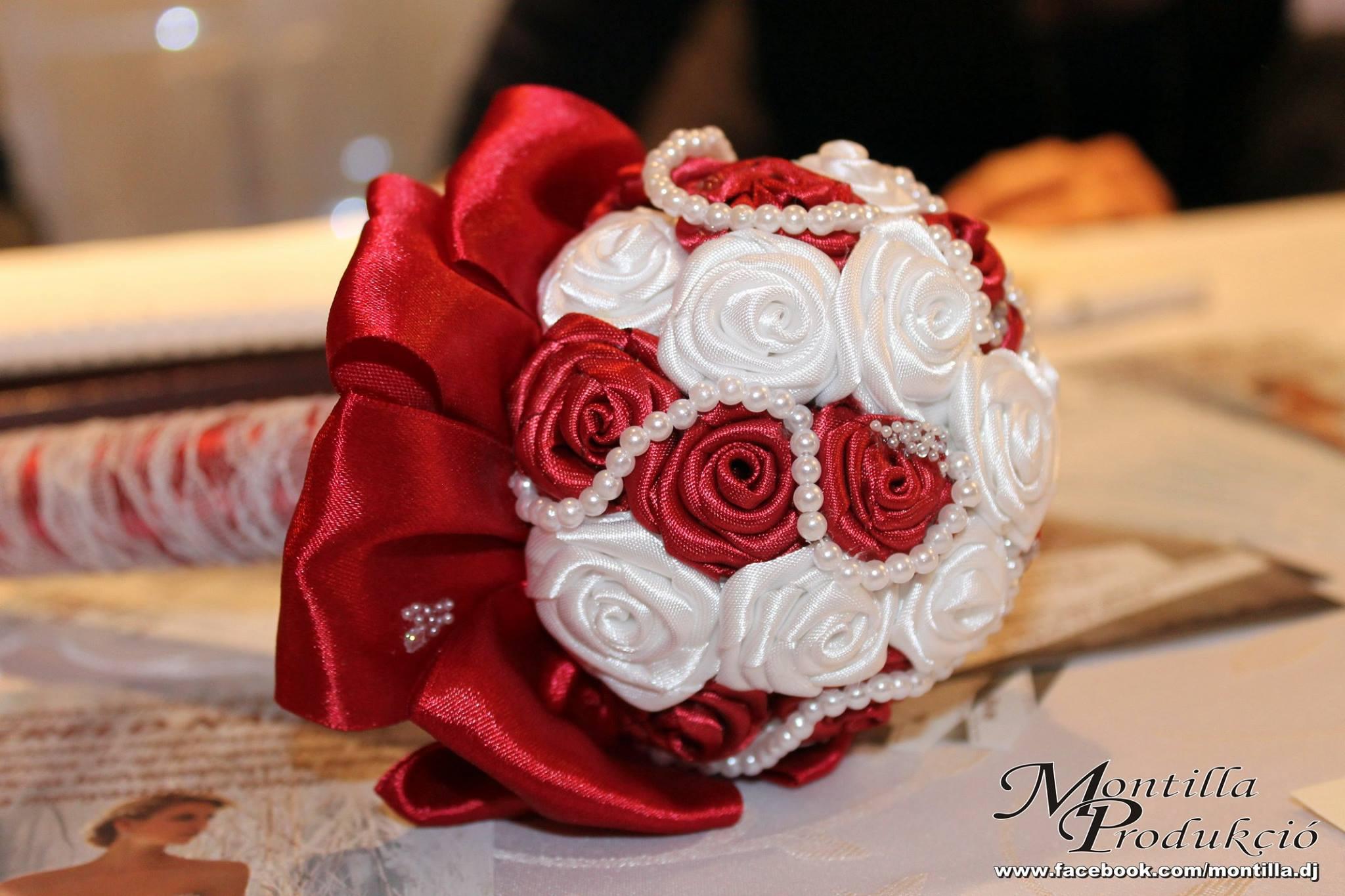ac60a973a9 menyasszonyi szatén dobó csokor - Mystic Moment Esküvői Szalon
